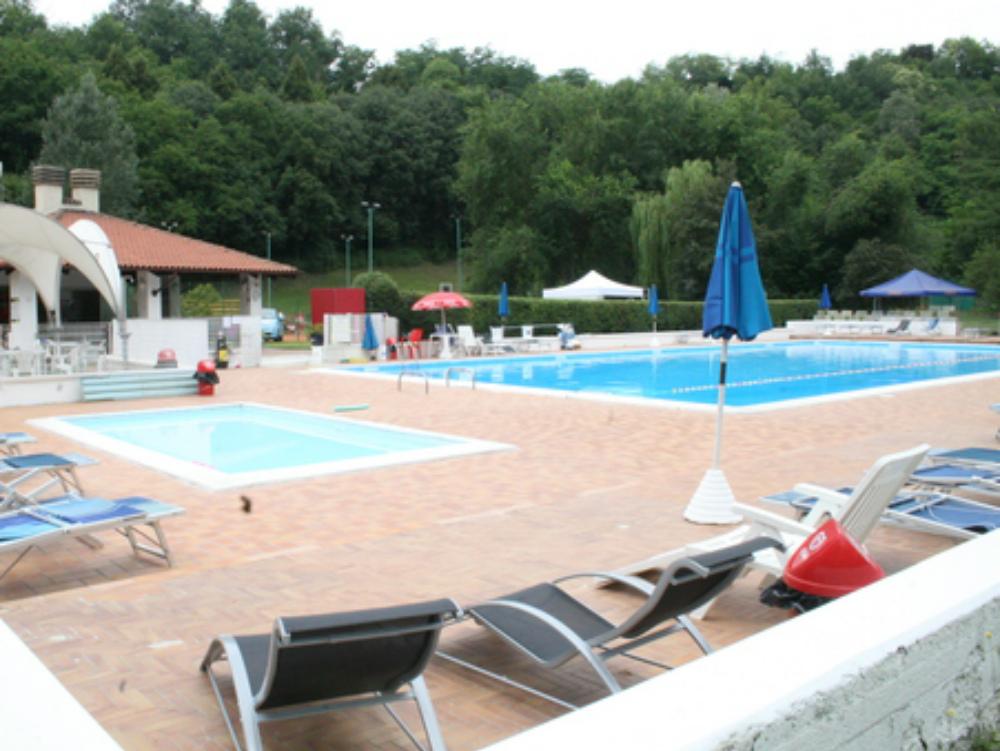 Facevano il bagno di nottesorpresi in piscina al country la nuova provincia - Piscina nizza monferrato ...