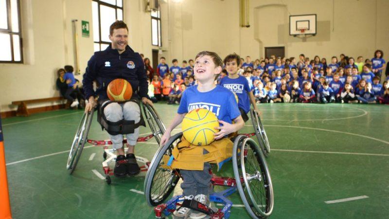 Sedie A Rotelle Torino : Una sedia a rotelle sportiva che cresce con il bambino