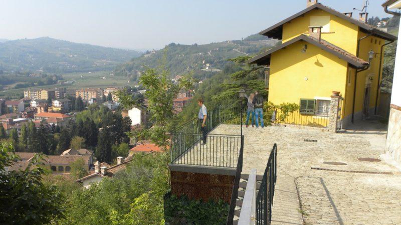 Canelli partono i lavori per la terrazza panoramica la for Villa del borgo canelli