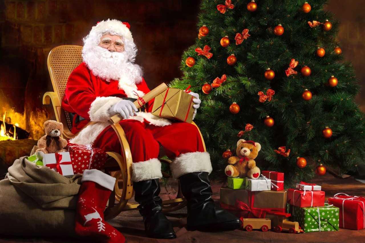 Il Vestito Nuovo Di Babbo Natale.Babbo Natale Un Lungo Cammino Attraverso Storie E Leggende La Nuova Provincia La Storia Di Babbo Natale Dalle Origini Ai Giorni Nostri