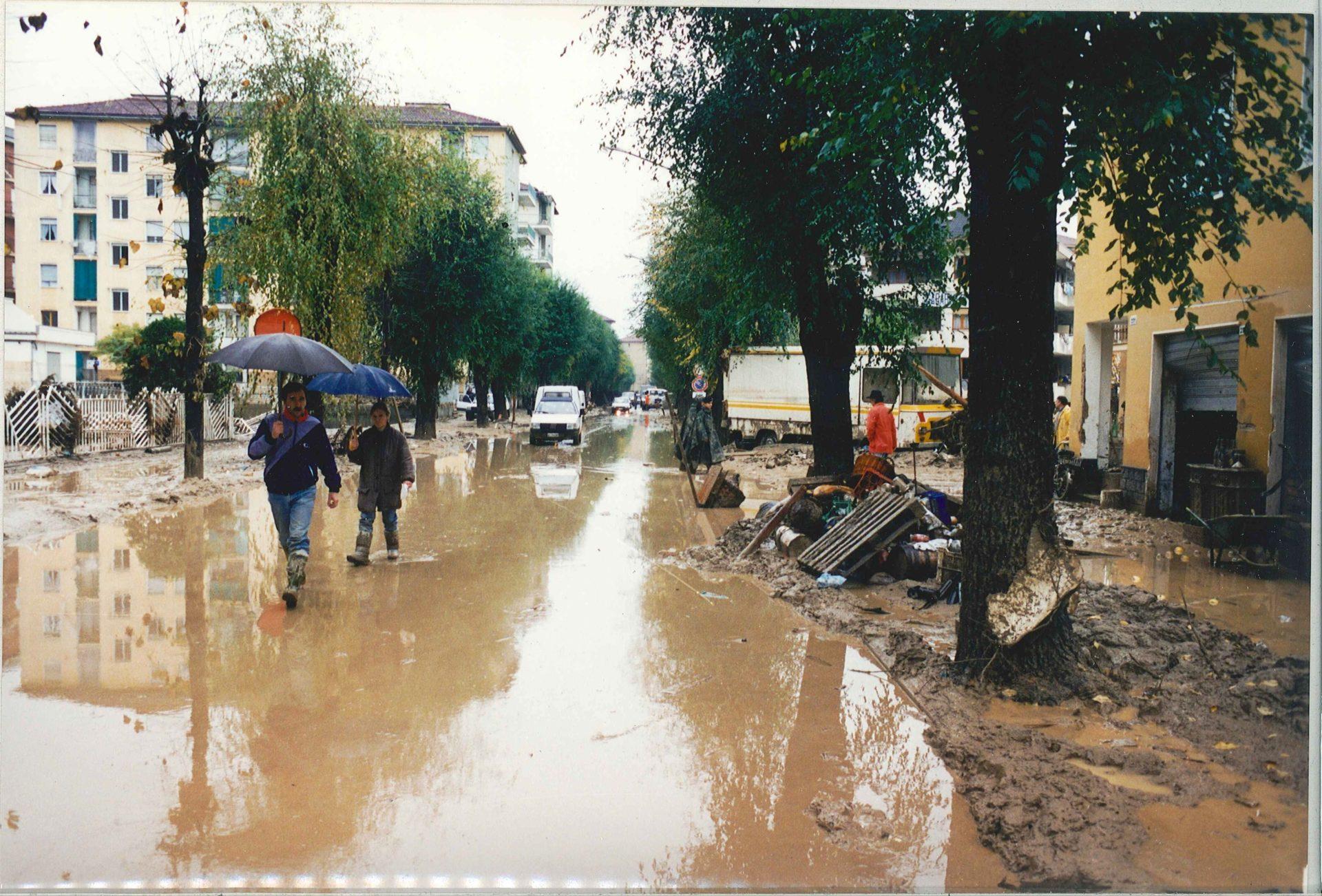 Alluvione: 25 anni fa Canelli nel fango - La Nuova Provincia - La Nuova Provincia - Asti