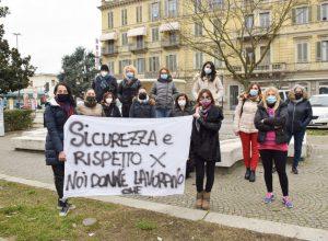 protesta donne piazza Marconi