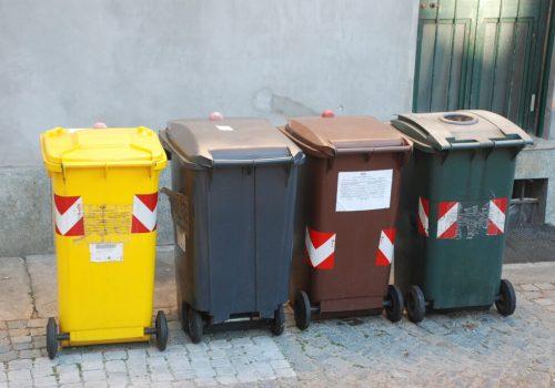 23 - verifica contenitori rifiuti