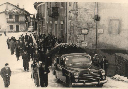 Il rito funebre d'un tempo ad Albugnano.