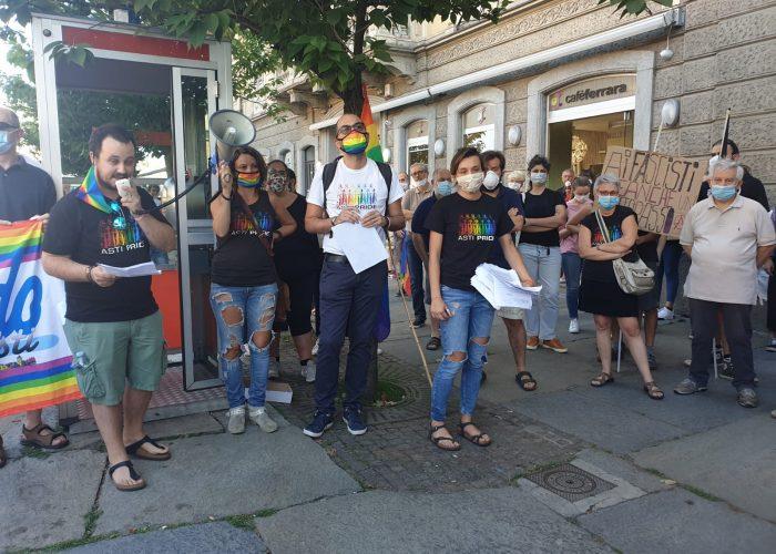 Asti Pride sit in sottopasso
