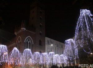 Asti-si-illumina-per-il-Natale-584eaedca14c61