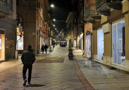 Corso Alfieri vuoto