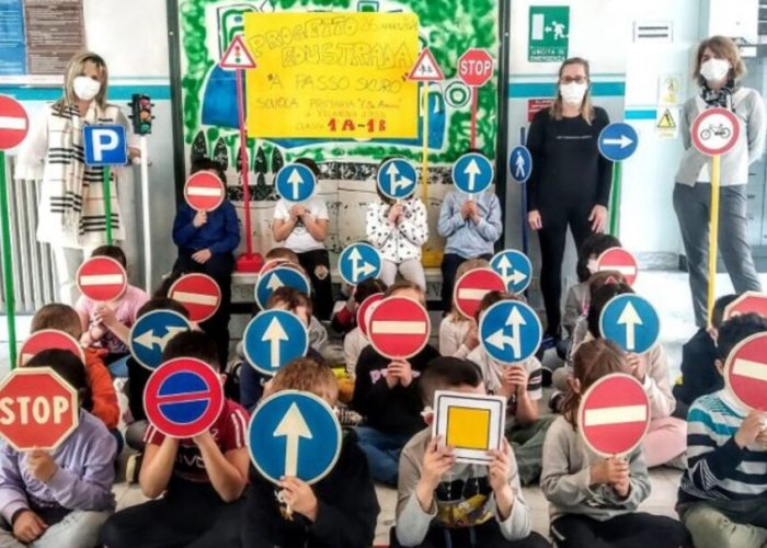 Educazione stradale per gli alunni della De Amcis di Villanova