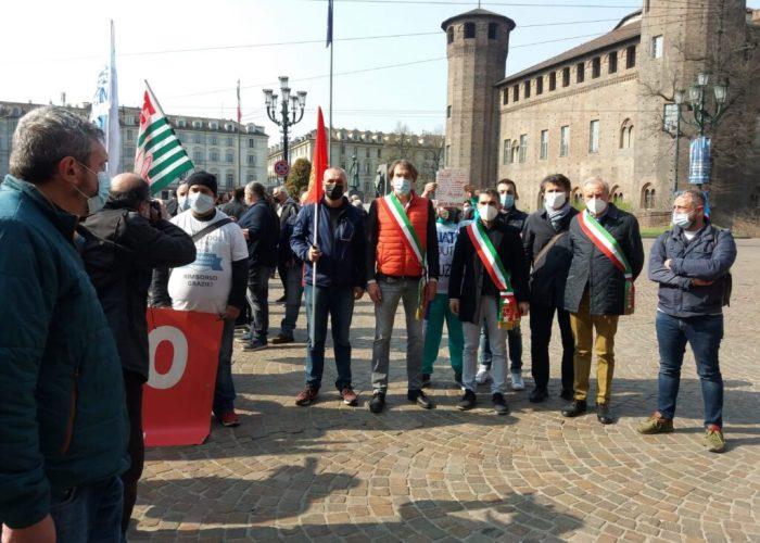 Ex Embraco, sindaci e lavoratori in piazza a Torino
