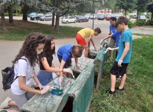 I giovani volontari puliscono il parco Bramante di Asti9