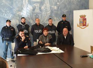 polizia conferenza stampa
