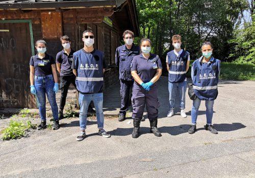 Alcuni volontari dell'associazione A.E.O.P.