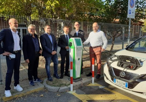 Inaugurazione colonnine auto elettriche4