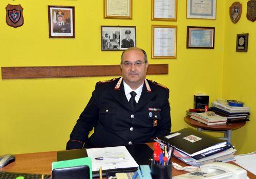 LUOGOTENENTE MARIO D'ORFEO COMANDANTE STAZIONE CC DI VILLANOVA NEL SUO UFFICIO