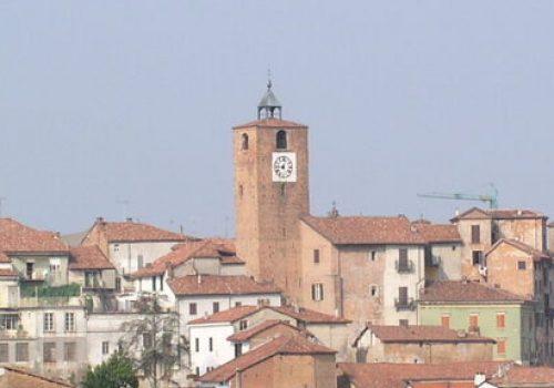 Veduta di paesaggi nel Comune di Montechiaro d'Asti (AT). L'immagine fa parte dell'Atlante dei Paesaggi Astigiani, realizzato per una più ampia conoscenza ed efficace salvaguardia del patrimonio paesaggistico del territorio astigiano e monferrino.