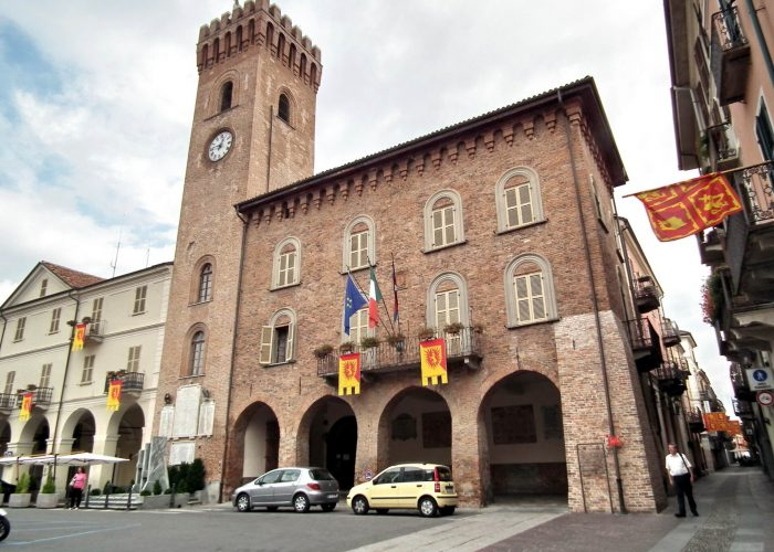 Il municipio di Nizza Monferrato