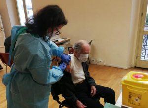 Proseguono i vaccini agli over 80 a Palazzo Richetta