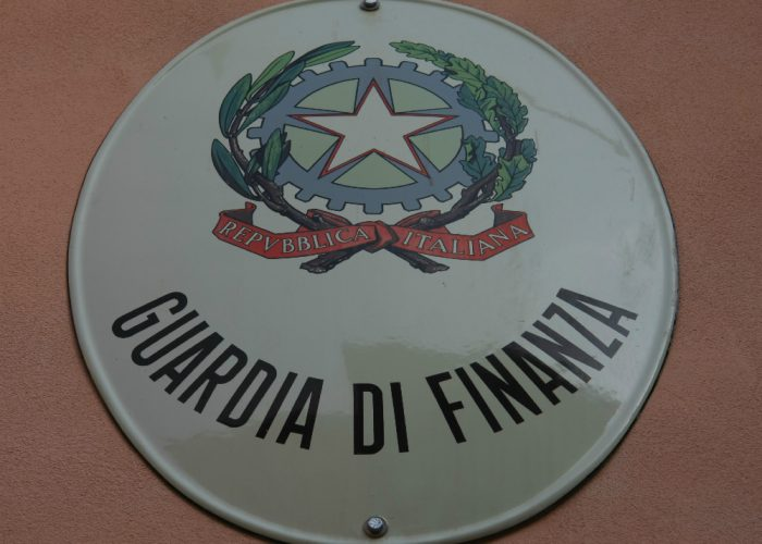 Guardia di Finanza: bando di concorso per l'ammissione di 53 allievi ufficiali