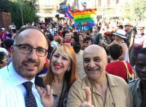 Il sindaco Rasero al gay pride di Alba