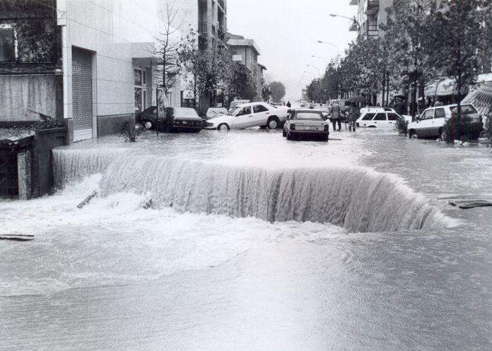 Storica alluvione in corso Savona